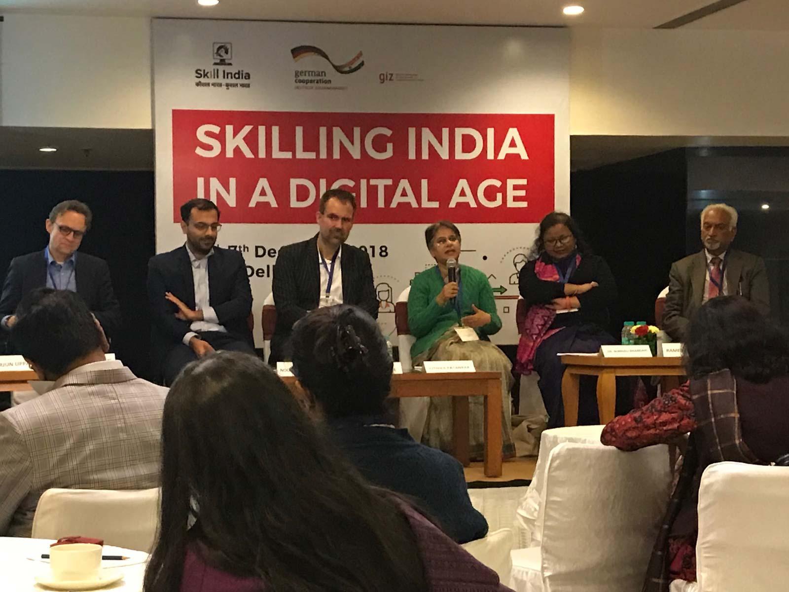 Konferenz Neu Delhi/Indien: Teilnehmerinnen bei der Diskussion